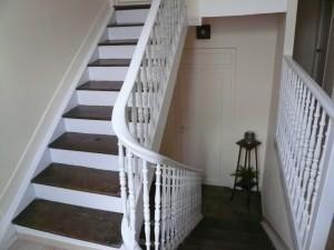 Cage-d-escalie